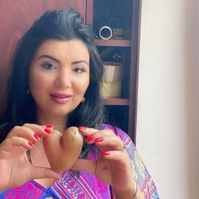 Adriana Bahmuțeanu, instagram