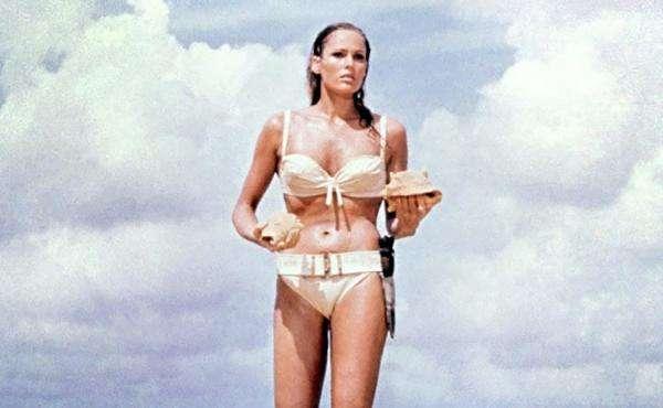 Ursula Andress a fost prima James Bong Girl