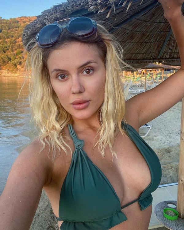 Emily Burghelea, instagram