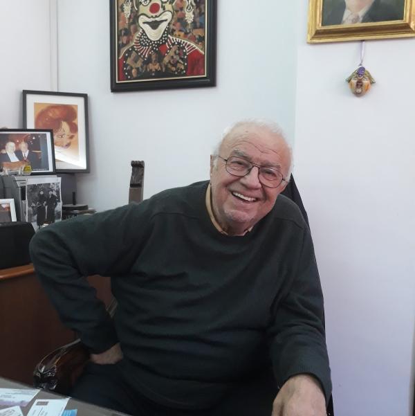 Alexandru Arșinel, facebook