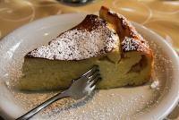 Prăjitură cu iaurt și brânză dulce, sursa pixabay/ autor Reinhard Thrainer