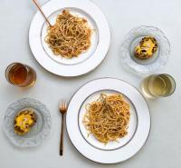 Spaghete. Unsplash.com/ autor Celine Lityo
