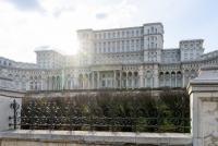 Casa Poporului. Unsplash.com/ autor Dimitry Anikin