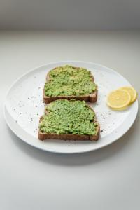 Avocado, foto Unsplash/ autor: Douglas Bagg