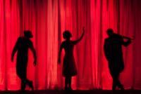 Teatru, foto Unsplash/ autor: Kyle Head