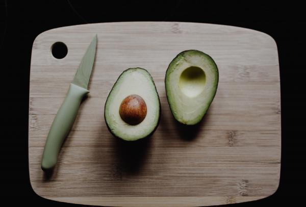 Avocado, foto Unsplash/ autor: Kelly Sikkema