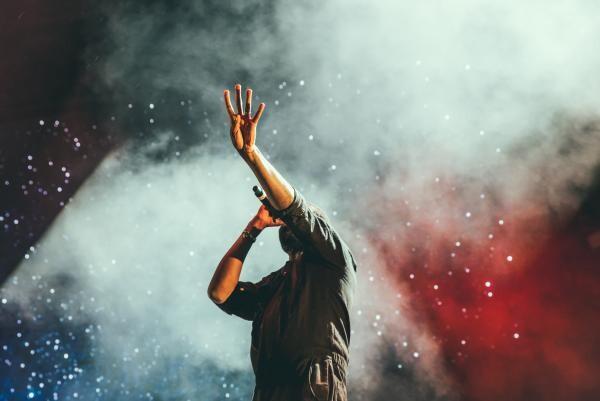 Concert, foto Unsplash/ autor: Austin Neill