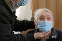 Valentina Fulga, în vârstă de 86 de ani este românul cu numărul 1 milion care s-a vaccinat. Foto Ro Vaccinare