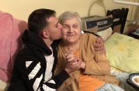 Vlad Gherman caută o femeie care să il ajute să își îngrijească bunica. Foto Instagram