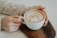 CAFEA. Unsplash.com/ autor Christiana Rivers