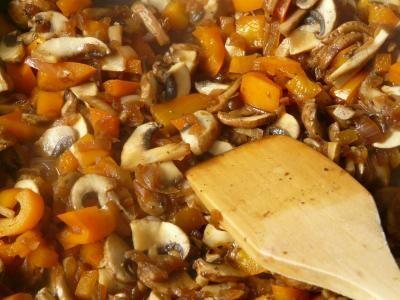 Tocăniță de ciuperci, sursa pixabay/ autor Hans Braxmeier