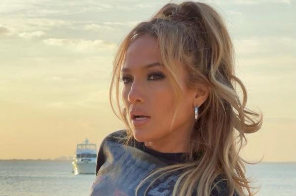 Jennifer Lopez, sursa foto Instagram