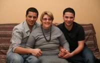 Lucian Viziru, Augustin Viziru și mama lor. Foto Facebook