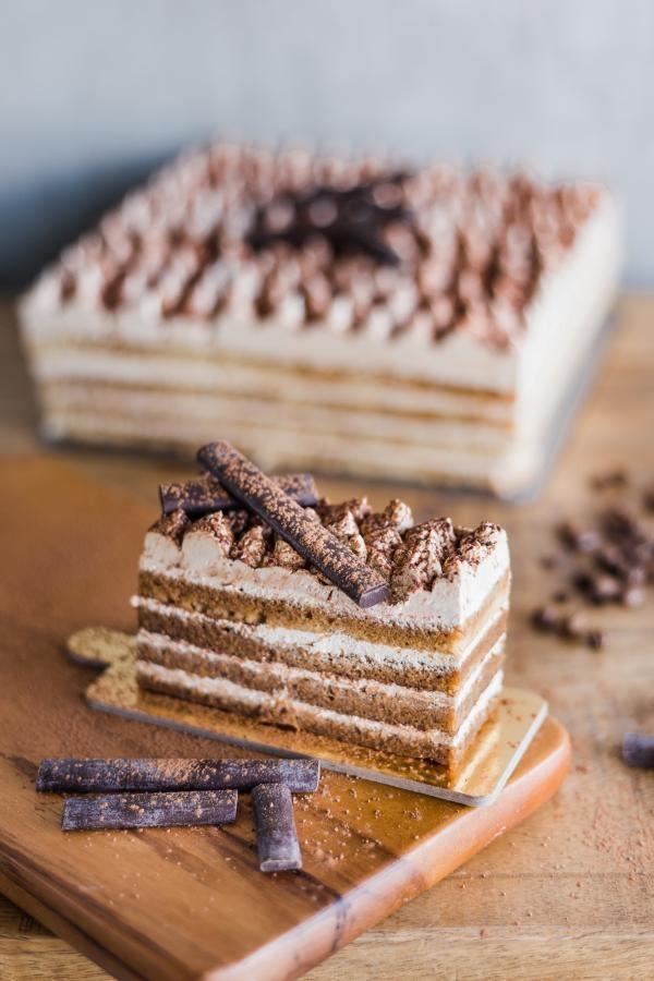 Prăjitură cu ness și bezea, sursa unspash/ autor Anthony Espinosa