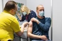 Prințul William s-a vaccinat. Foto Twitter