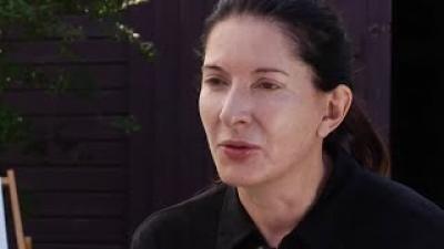 Marina Abramovic. Captură foto YouTube / The Museum of Modern Art