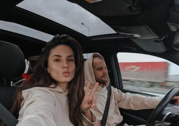 Ioana Grama și soțul ei, sursa foto Instagram