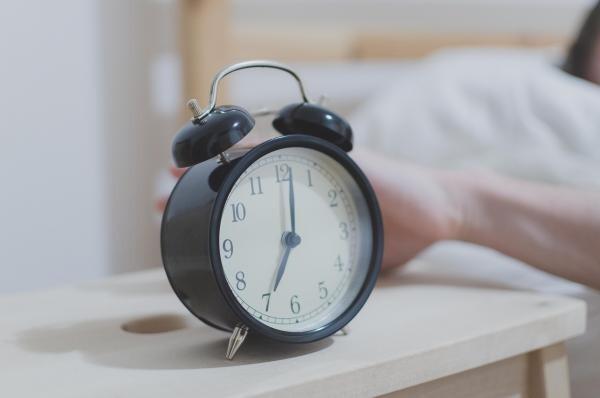 Ceas deșteptător, sursa pixabay/ autor Štěpán Vraný