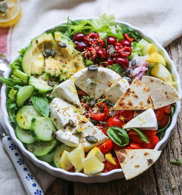 Salata, foto Unsplash/ autor: Rebeca G. Sendroiu