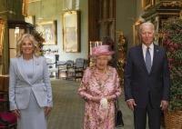 Regina Elisabeta a II-a a Marii Britanii, Joe Biden şi soţia sa Jill. Foto Instagram/theroyalfamily