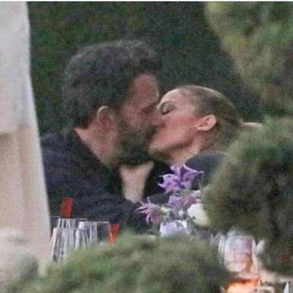 Jennifer Lopez și Ben Affleck, captura foto Youtube/ sursa John Jlover
