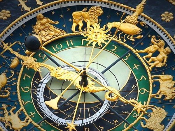 Horoscop. pixabay.com autor Hermann Traub