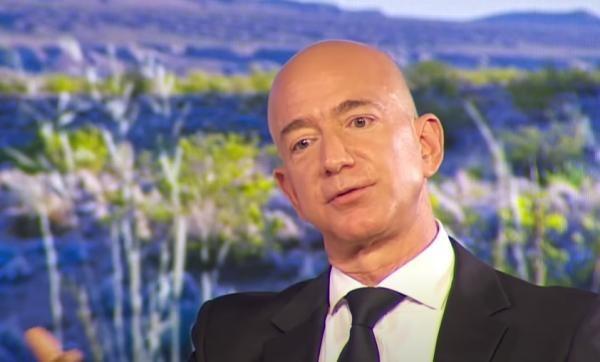 Jeff Bezos, captura foto Youtube/ sursa Business Insider