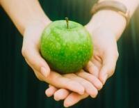 10 motive să mănânci MERE VERZI în fiecare zi.. Unsplash.com/ autor Jony Ariadi