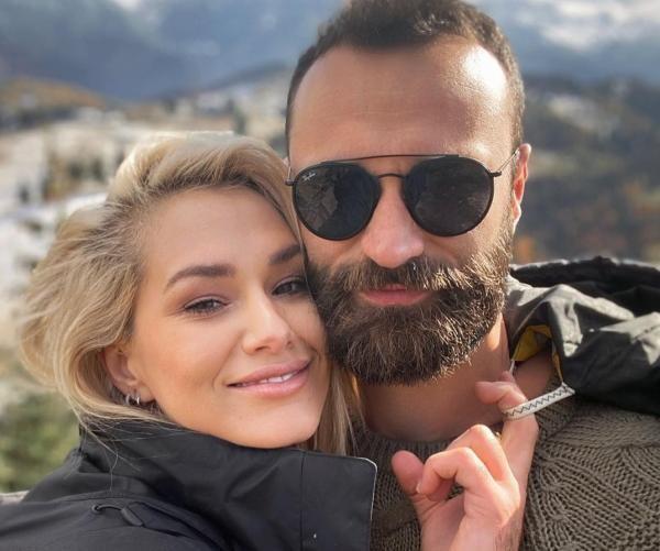 Feli și logodnicul ei, sursa foto Instagram