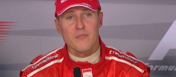 Michael Schumacher la o conferință de presă, în 2006. Photo: captură foto FORMULA 1/ YouTube