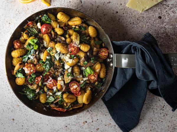Salata, foto Unsplash/ autor: Micheile Henderson