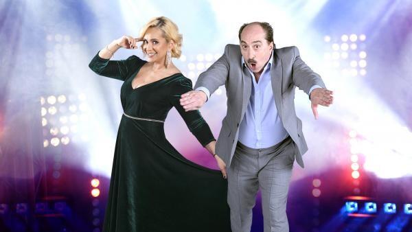 Paula Chirilă şi Romică Ţociu, coprezentatori Splash! Vedete la apă