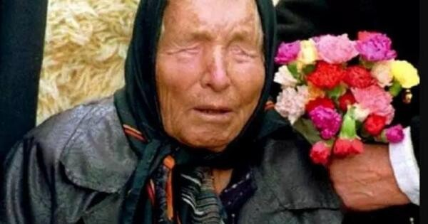 În 1994, pentru meritele sale deosebite, Vanga (pe numele său real, Vangelia Gușterova) a rpimit titlul de cetățean de onoare a Republicii Kalmîkia.