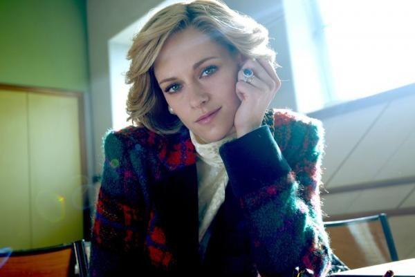 Kristen Stewart în rolul prințesei Diana. Foto Twitter/ Neon