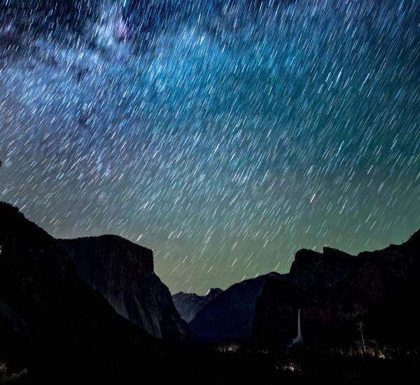Ploaie de stele, foto unsplash/ Casey Horner