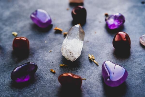 Cristale, foto Unsplash/ Dan Farrell