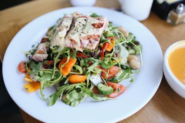 Salata, foto Unsplash/ autor: Fallon Michael