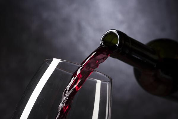 Vin, sursa pixabay