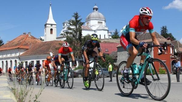 """TVR vă ţine conectaţi la competiția sportivă de ciclism """"Turul României"""""""